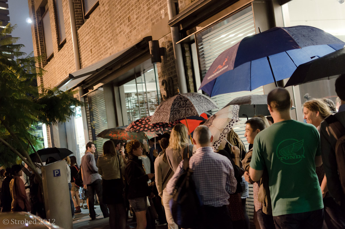 Crowds waiting to get in at White Rabbit art gallery
